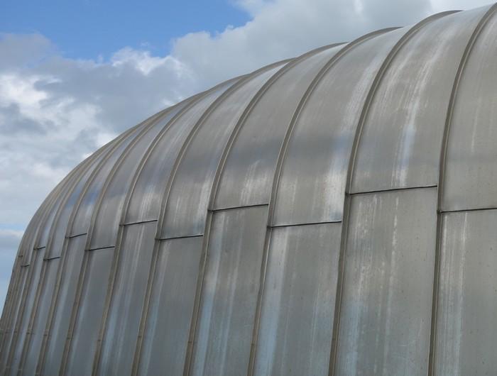 Exemples et plans de maison avec toiture cintrée en zinc