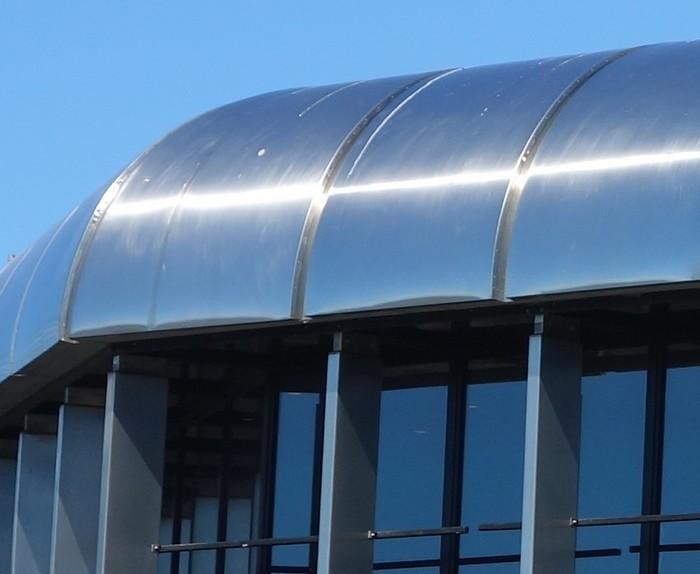 Choix entre toiture zinc ou inox (joint debout)