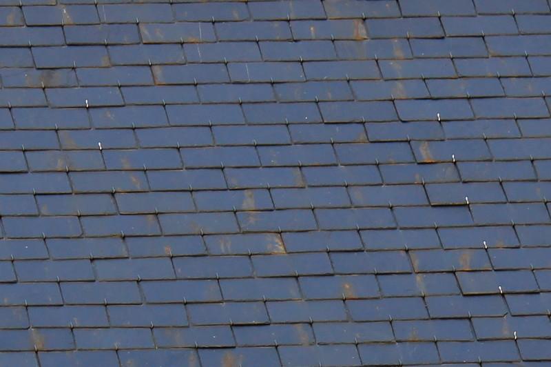 Entretenir une toiture en ardoises vos conseils 2017 - Poser une toiture en ardoise ...