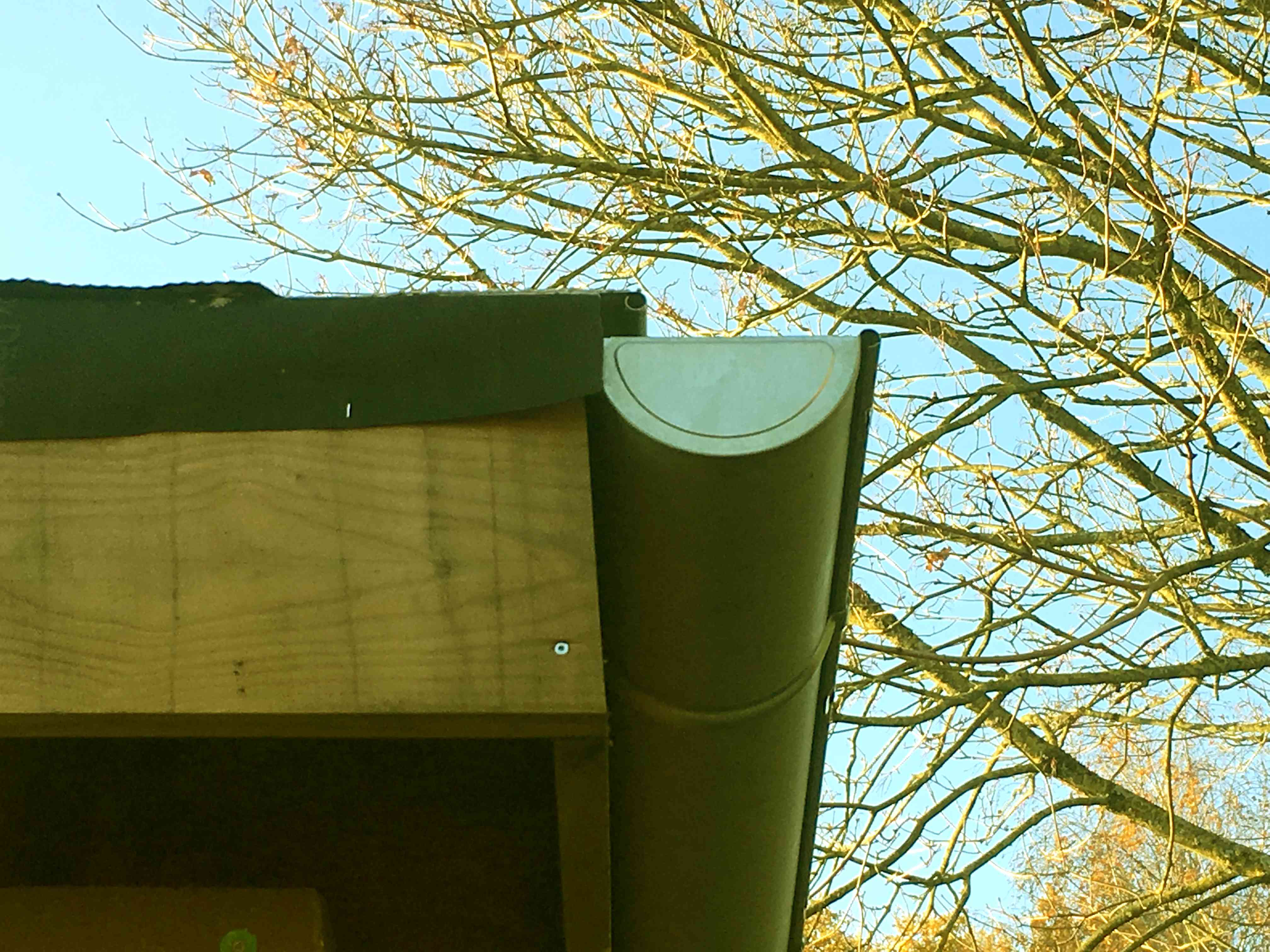 Ecran de sous toiture qui fuit (bac acier)