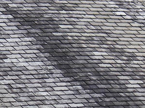Vos conseils pour le traitement d 39 une toiture ardoises 2019 for Prix toiture ardoise naturelle m2